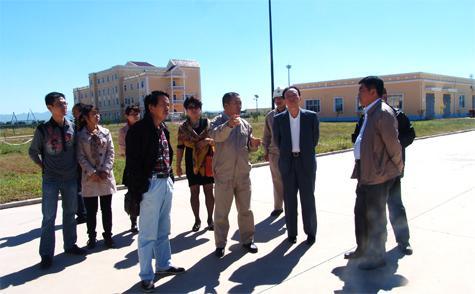 刘总陪同沈阳市环保局领导视察营口仙人岛中海油lng